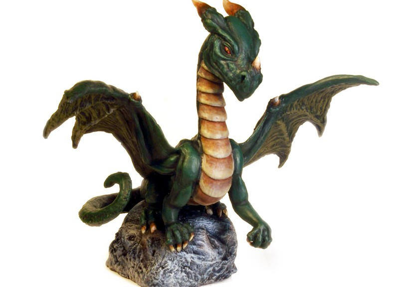 Dragon front right